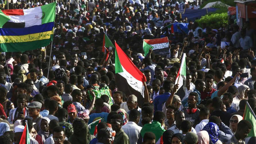 أعداد غفيرة من السودانيين في احتجاجات الخميس