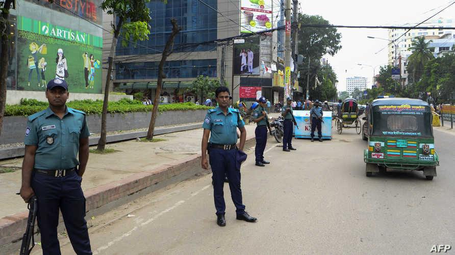 عناصر من الشرطة البنغالية