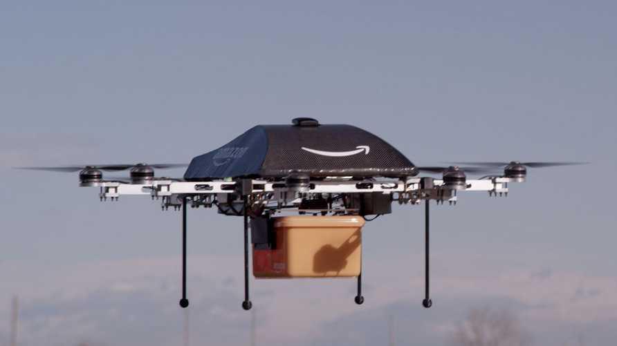 """طائرة """"برايم إير"""" من أمازون لتسليم البضائع للزبناء"""