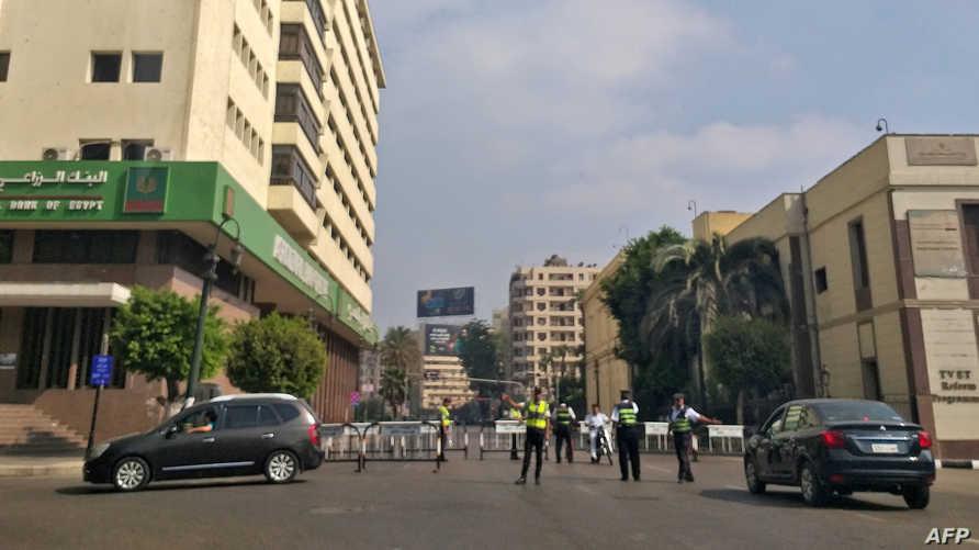 قوات الأمن المصرية تغلق الطرق المؤدية إلى ميدان التحرير يوم الجمعة