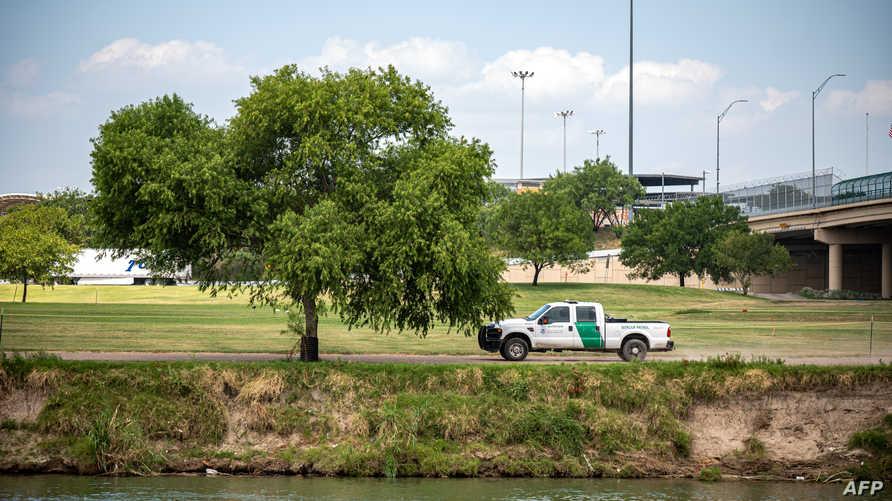 دورية أميركية على الحدود مع المكسيك في تكساس