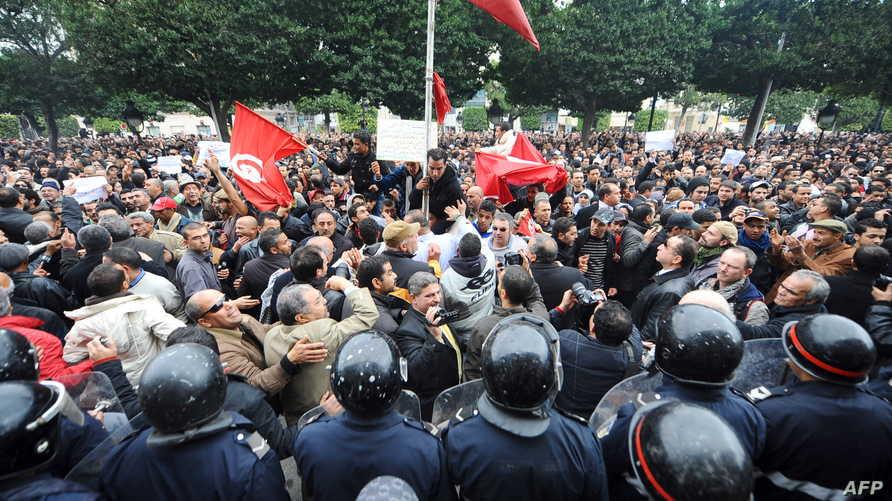 من المظاهرات التي شهدتها تونس في 2011