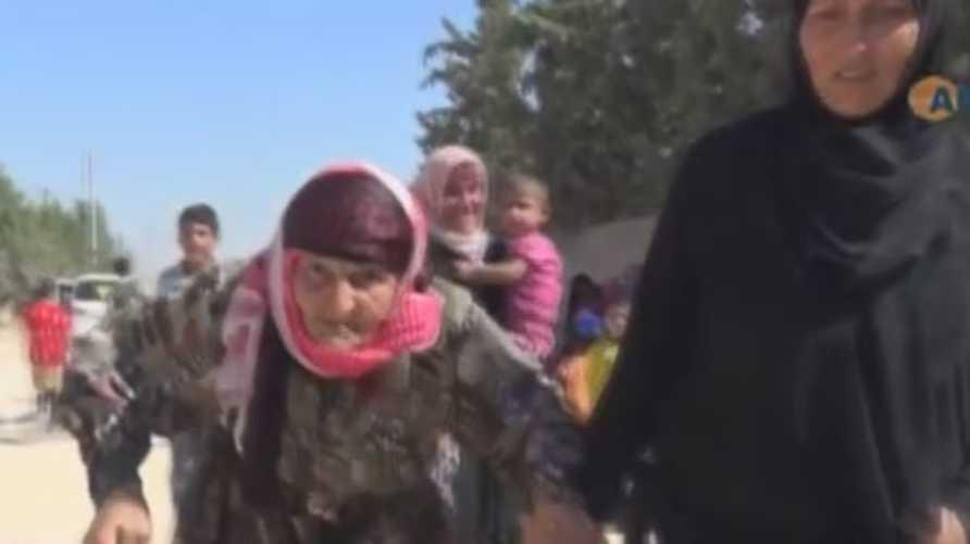 عائلات سورية غادرت منبج