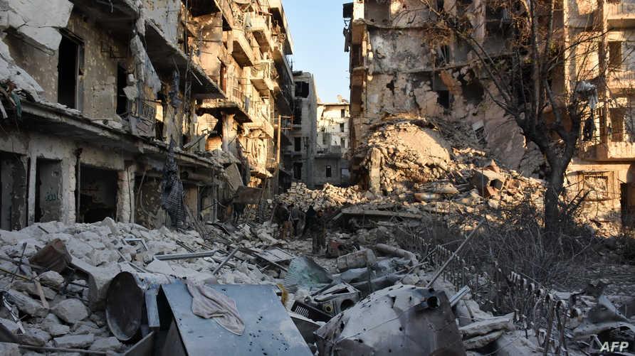 دمار خلفته المعارك في أحد أحياء حلب