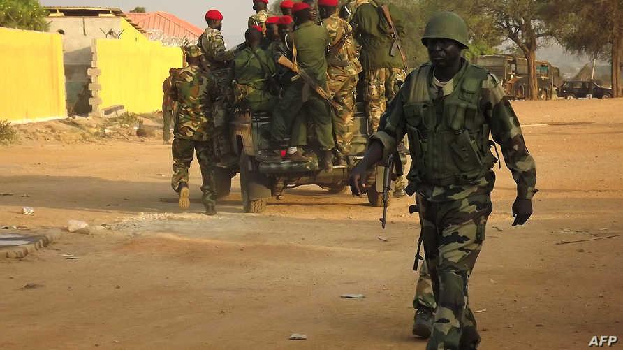 جنود جنوب سودانيون يجوبون شوارع جوبا