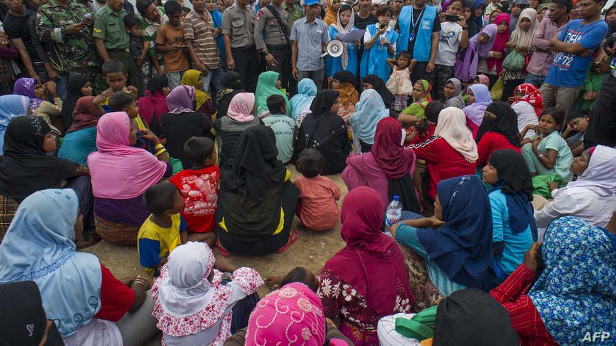 مسلمون من أقلية الروهينغا فروا من ميانمار بسبب العنف