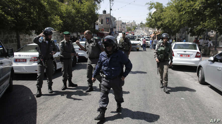 الشرطة الإسرائيلية تطوق موقع الحادث