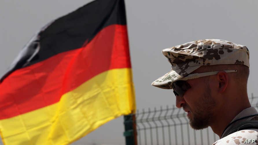 مستشار عسكري ألماني في معسكر في أربيل