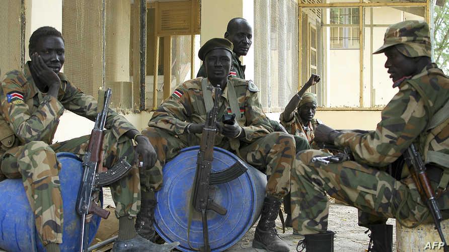 جنود من جيش التحرير الشعبي في جنوب السودان