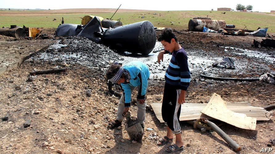 أطفال سوريون قرب الحدود التركية-أرشيف
