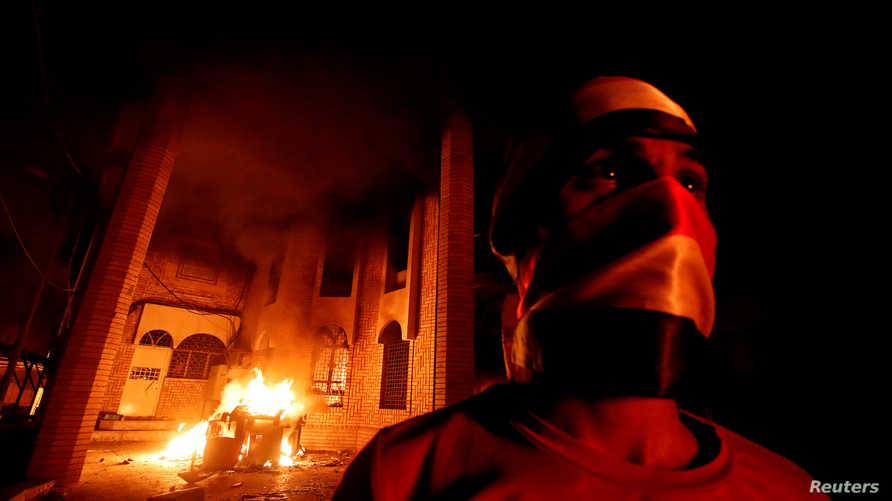 حرق القنصلية الإيرانية في البصرة