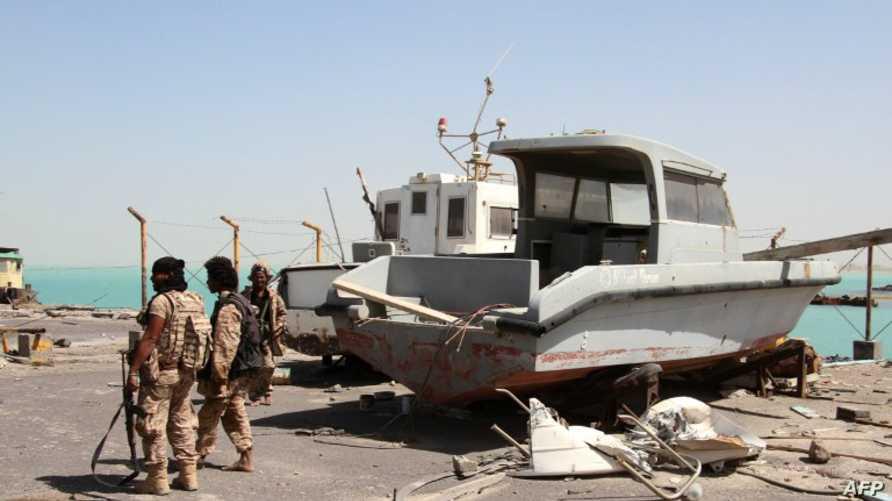 قوات موالية للرئيس عبد ربه منصور هادي في مدينة المخا