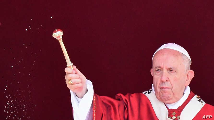 البابا فرانسيس في قداس الأحد في ميدان القديس بطرس في الفاتيكان