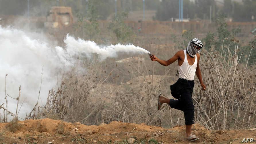 فلسطيني في مواجهات مع الجيش الإسرائيلي قرب غزة