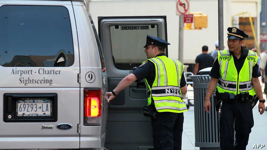 شرطة نيويورك في التايم سكوير - أرشيف