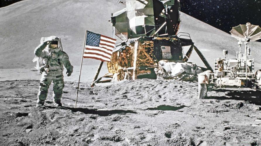 يبلغ عدد الرواد، الذين هبطوا على سطح القمر 12، كلهم من وكالة الفضاء الأميركية ناسا