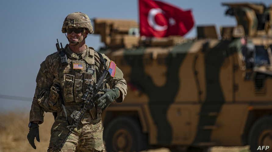 جندي اميركي ضمن دورية مشتركة مع القوات التركية في قرية الحشيشة السورية- 8 سبتمبر 2019
