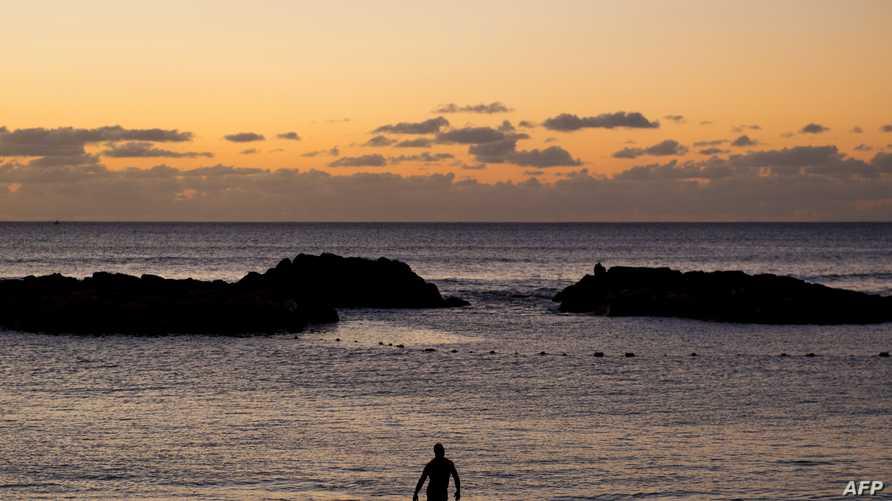 أحد شواطئ المحيط الهادئ