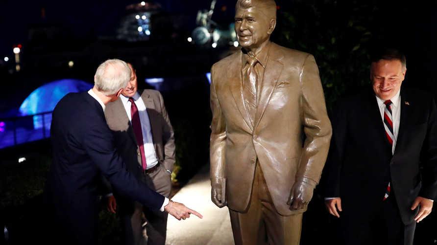 تمثال رونالد ريغان في برلين