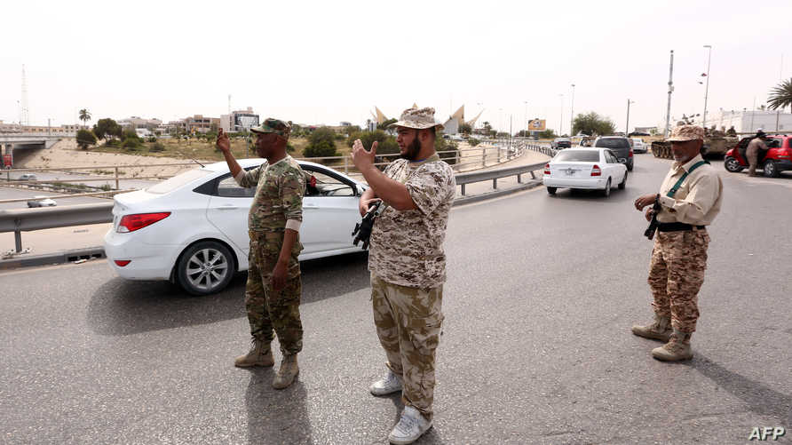 عناصر أمنية في طرابلس