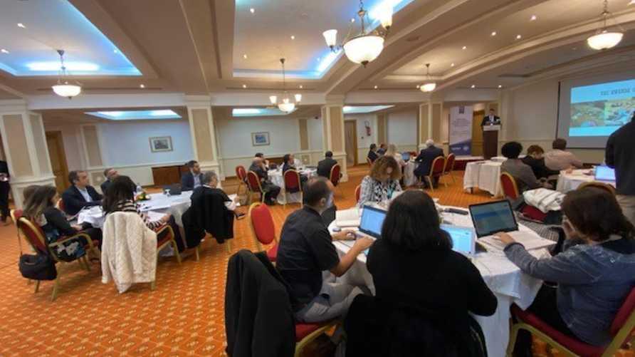 """جانب من مؤتمر """"دور الإعلام في حل النزاعات"""" الذي افتتح أعماله في العاصمة تونس بتنظيم الحرة ومعهد السلام الأميركي"""