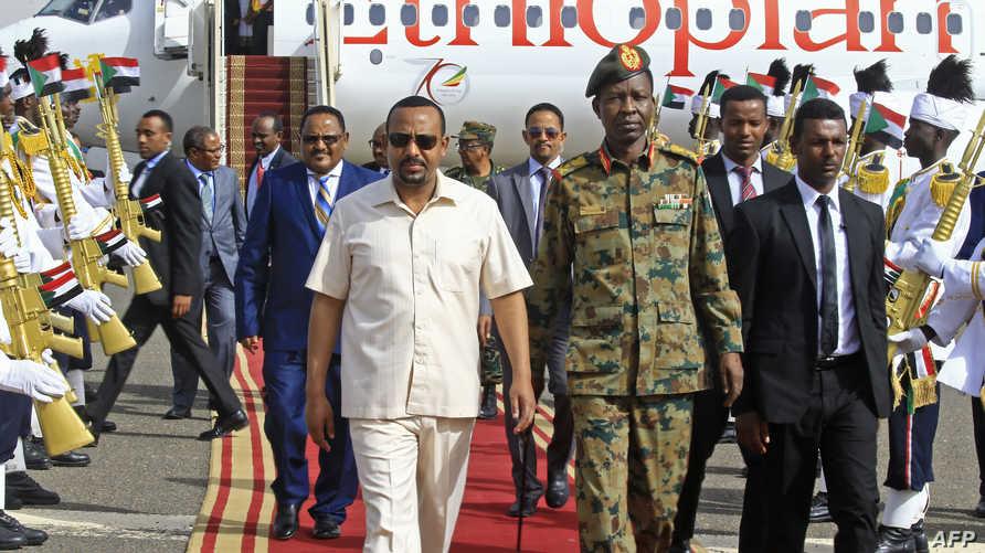 رئيس الوزراء الأيثيوبي لدى وصوله الخرطوم