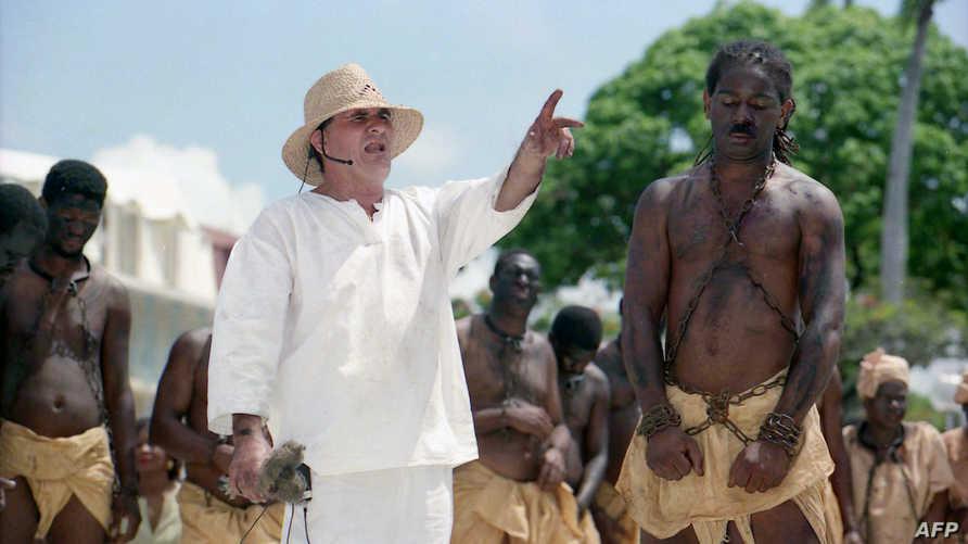 التقطت الصورة عام 1998 خلال حفل تكريم تاريخ العبيد في فرنسا
