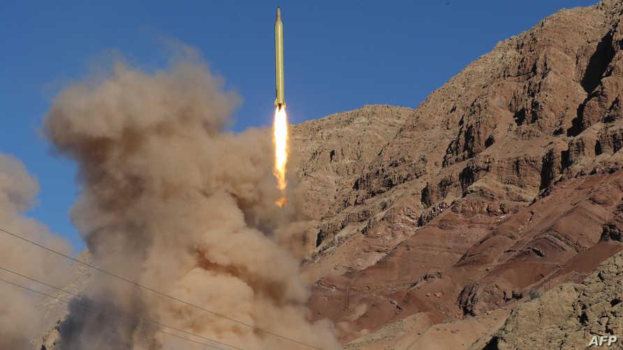 الصاروخ الباليستي قدر الإيراني خلال إطلاقه