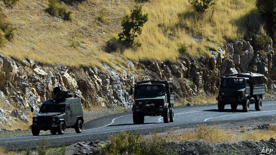 عربات عسكرية تركية قرب الحدود العراقية