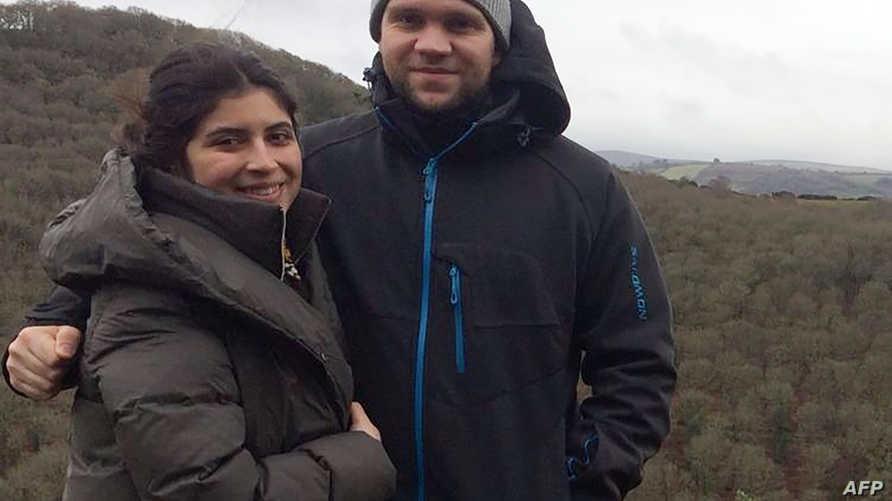 البريطانيماثيو هيدجز وزوجته دانييلا