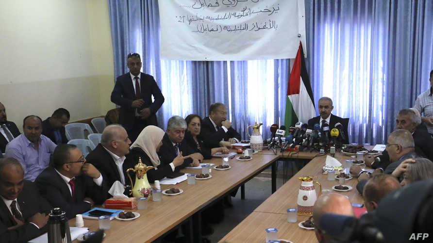 اجتماع للحكومة الفلسطينية في قرية فصايل بغور الأردن
