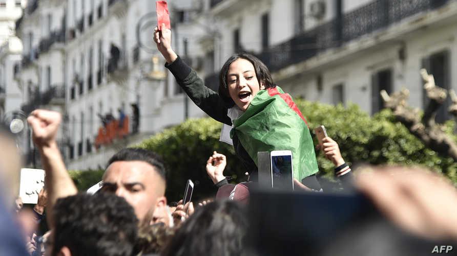 متظاهرون في الجزائر ضد ترشيح الرئيس الجزائري نفسه لولاية خامسة