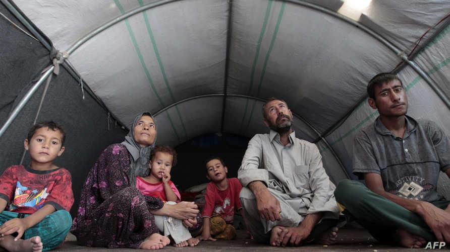 نازحون من منطقة الفلوجة في مخيم في منطقة الدورة في بغداد