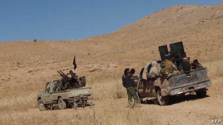 مقاتلون عند الجانب السوري من جبال القلمون- أرشيف
