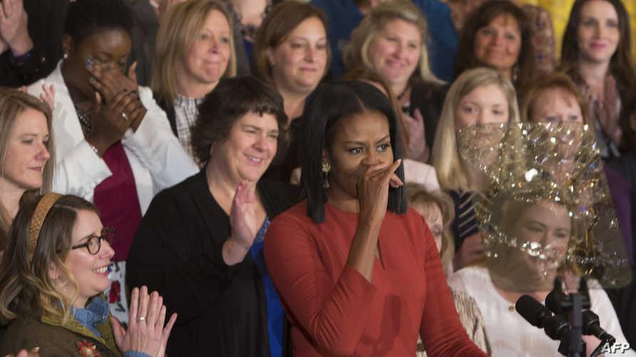 السيدة الأولى ميشيل أوباما خلال خطابها الرسمي الأخير الجمعة