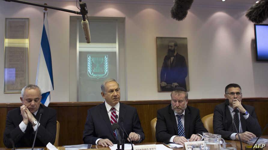 رئيس الحكومة الإسرائيلية بنيامين نتانياهو  خلال الاجتماع الأسبوعي لحكومته