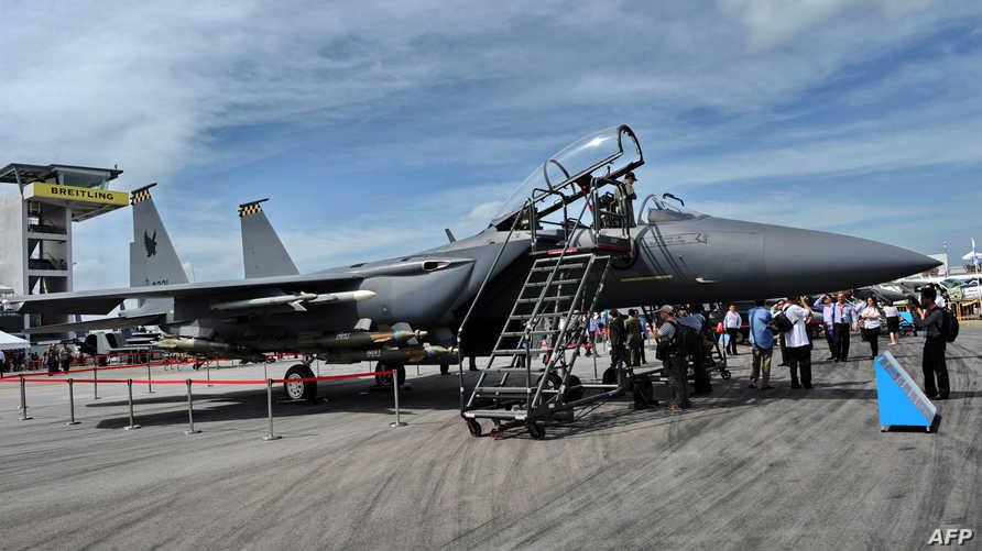 طائرة بوينغ مقاتلة