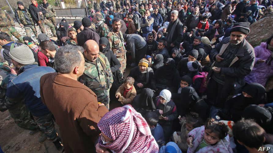 مدنيون يغادرون شرق حلب بسبب المعارك