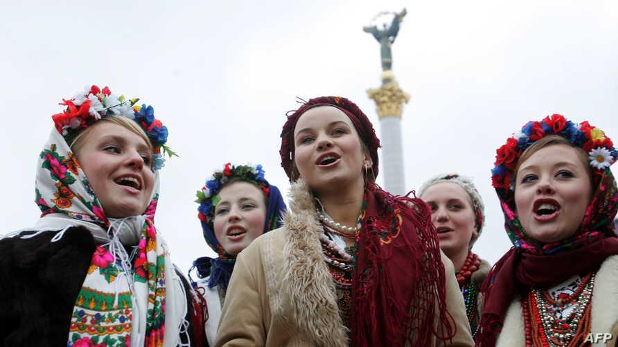 مواطنات أوكرانيات في كييف. أرشيفية