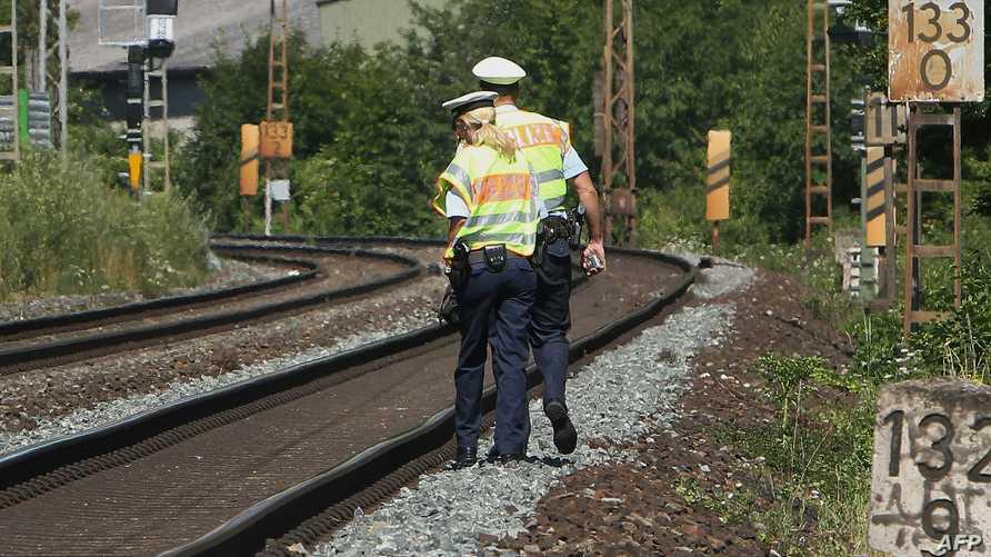 الشرطة الألمانية في محطة قطارات وورتسبورغ بعد هجوم تبناه داعش
