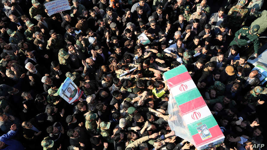 تشييع جثمان حمد علي الله دادي، الجنرال الإيراني الذي قتل في غارة إسرائيلية على الجولان
