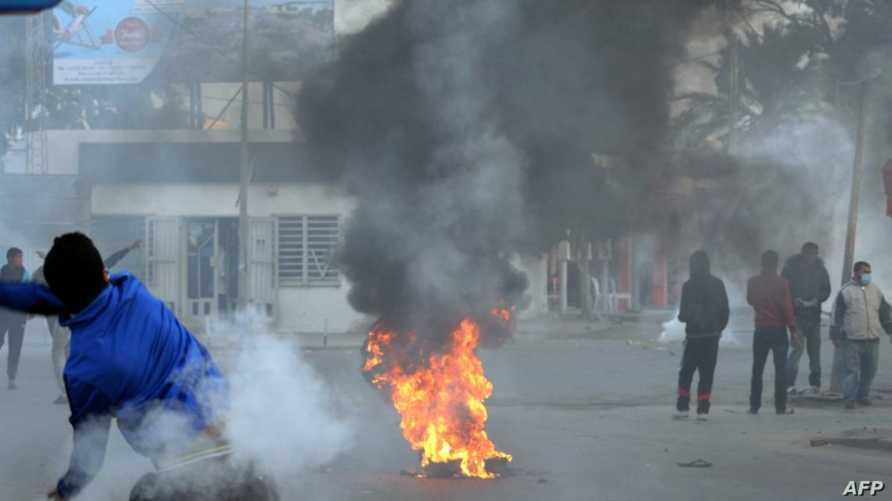 مواجهات في تونس بين قوات الأمن ومحتجين على مصادرة بنزين مهرّب