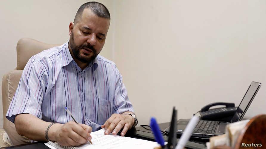 الناشط في حقوق المثليين والمرشح للرئاسة التونسية منير بعتور