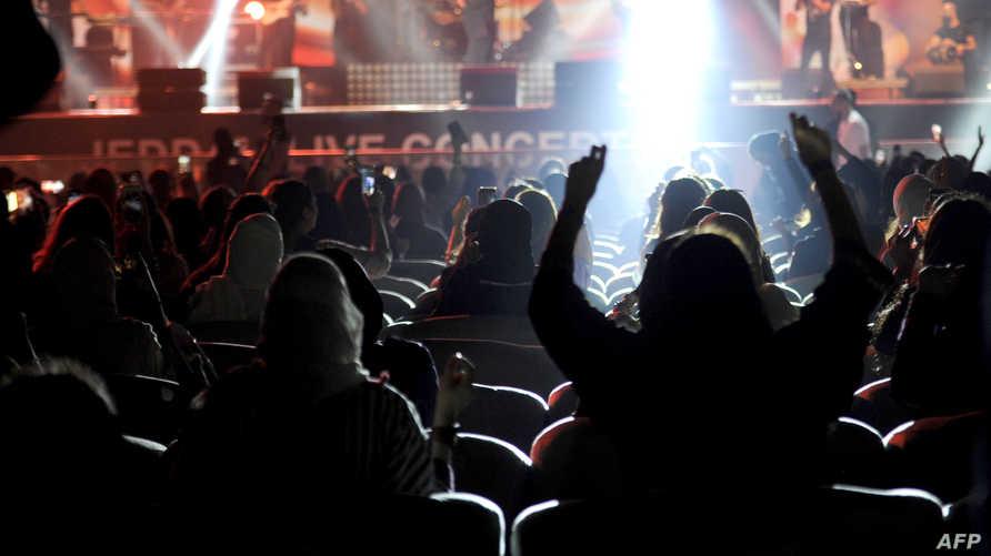 أثناء حفل غنائي للمطرب المصري تامر حسني في نهاية مارس 2018 في جدة