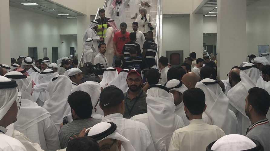 موظفو الطيران المدني في الكويت يضربون عن العمل
