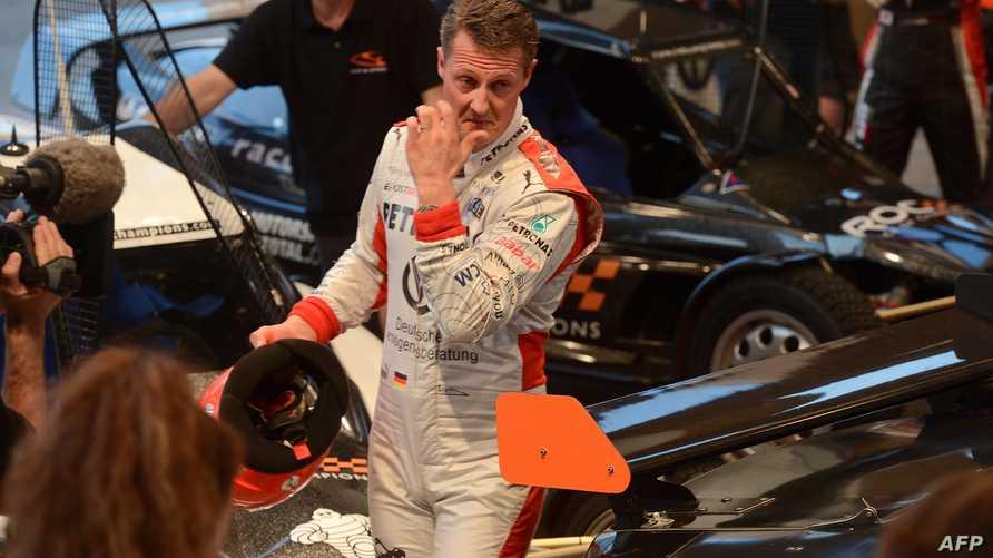 """بطل سباقات """"فورمولا 1"""" الألماني مايكل شوماخر"""