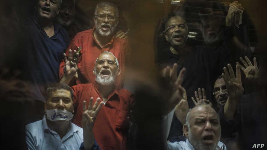 قيادات من جماعة الإخوان وراء القضبان