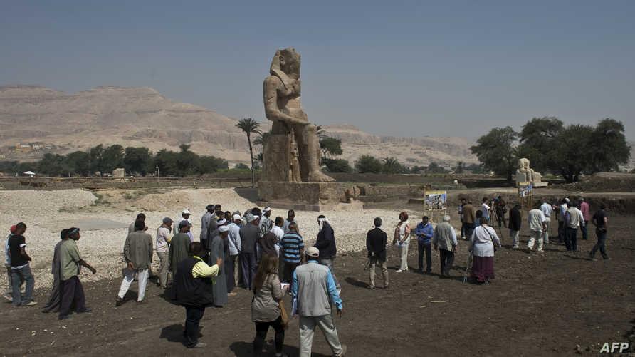 سائحون في الأقصر جنوب مصر