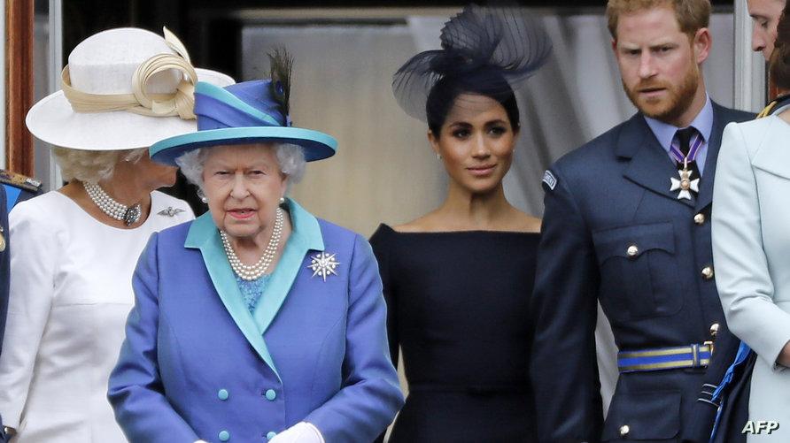 الملكة إليزابيث رفقة الأمير هاري وزوجته ميغان ماركل - 10 يوليو 2018