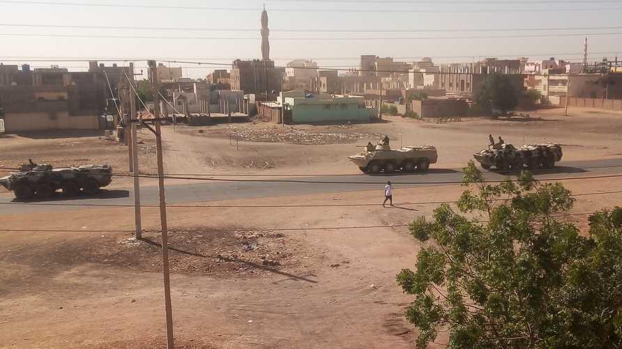 صورة تظهر آليات عسكرية في الخرطوم، المصدر: وسائل التواصل الاجتماعي
